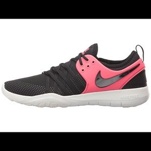 Nike Women's Free TR7 Training Shoes Black-Red 6.5
